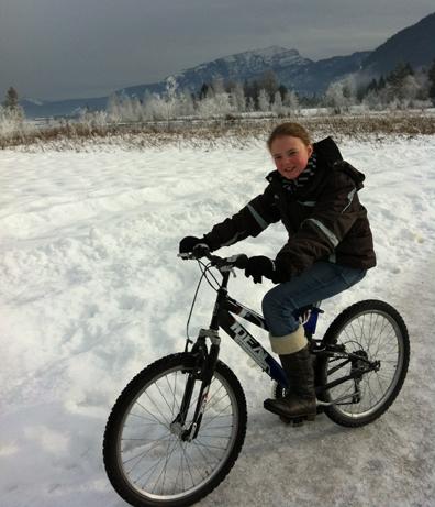 (Rad)akitv im Schnee am Walchsee, Copyright Tedda Roosen