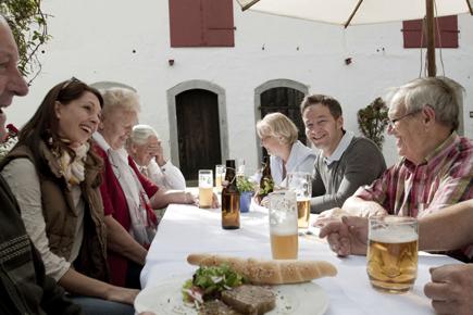Die Bierregion rund um Ried und Schärding steht für Gastlichkeit und Biergenuss. (Foto: Bierregion Innviertel)