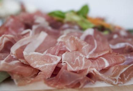Weltberühmt: Schinken aus Parma.