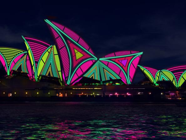 Sydneys Opernhaus in ganz neuem Licht beim Festival Vivid Sydney.