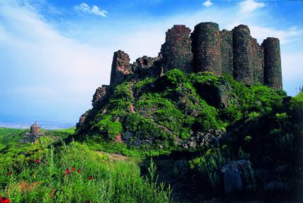 Ein Relikt aus längst vergangegen Tagen - die Amberd Festungsanlage. (Foto Tufenkian Hospitality)