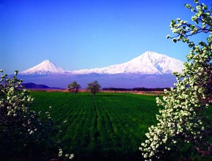 Schneebedeckter Hinbgucker: Der Berg Ararat. (Foto: Hrair Hawk)