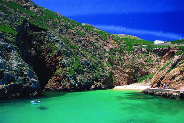 Unbekannte Schönheit im Atlantik: Die portugiesischen Berlenga Inseln. (Foto: Turismo de Portugal)