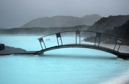 Ein geothermischer Traum inmitten eines Lavafeldes: Die Blaue Lagune. (Foto: Karsten-Thilo Raab)