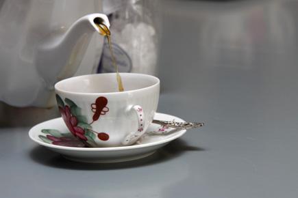 Im Ammerland und in Ostfriesland Teil der Lebenskultur: Ein gepflegtes Tässchen Tee. (Foto: Udo Haafke)