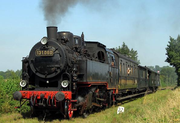 Eine vier Kilometer lange Strecke verband das Ostseebad Schönberg seit 1914 mit dem Schönberger Strand. Heute kann man die Fahrt an den Wochenenden in nostalgischen Eisenbahnen zurücklegen. (Foto: Tourist-Service Ostseebad Schönberg)