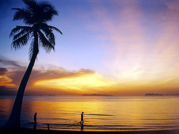 Stimmungsvoller Sonnenuntergang auf Ko Samui. (Foto: Manfred Werner)