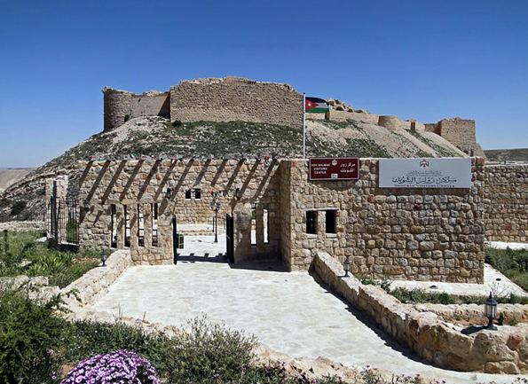 Die einstige Kreuzritterfestung von Shaubak Shaubak liegt auf dem Königsweg, der von Norden nach Süden durch Jordanien führt. (Foto Bernard Gagnon)