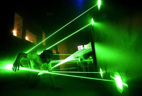 Im Top Secret in Oberhausen können Besucher ihr Geschick in einem Laser-Parcours antesten. (Foto: Top Secret)