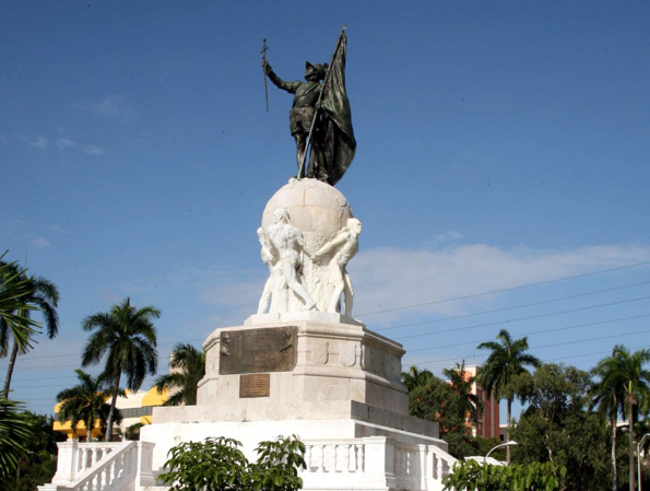 "Erinnert an den ""Entdecker"" das Pazifiks: Das Monumento Balboa in Panama Stadt."