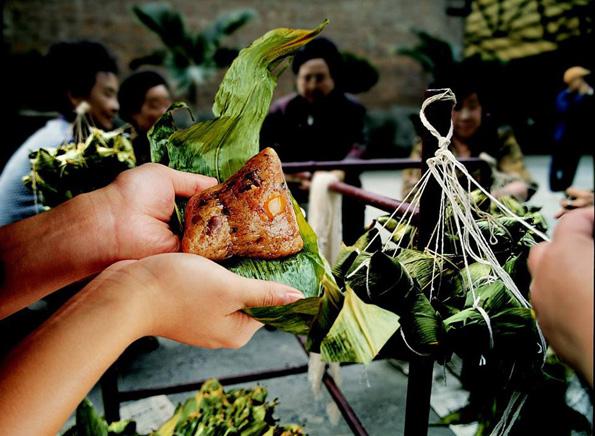 Beim Essen in Taiwan hat man die Qual der Wahl, heiß es doch nicht von ungefähr, die taiwanesische Küche vereine alle Gaumenfreuden Asiens auf einer Insel.