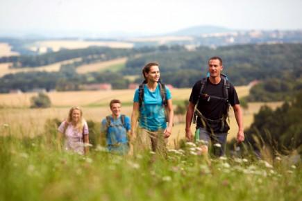 """Das Oberlausitzer Bergland und der Naturpark Zittauer Gebirge lassen sich besonders schön auf dem """"Oberlausitzer Bergweg"""" erwandern. (Foto: www.marusgloger.de)"""