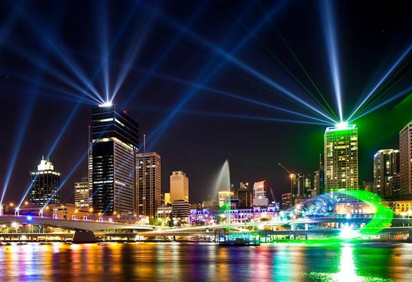 Ein Megaevent in Queensland: Das Brisbane Festival, das jährlich mehr als 1,5 Millionen Besucher in seinen Bann zieht.