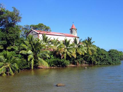 Malerisch gelegen: Die kleine Inselkirche von Sainte Marie.