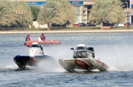Seit 13 Jahren in Sharjah zu hause: Die Powerboot Weltmeisterschaft in der Khaled Lagune