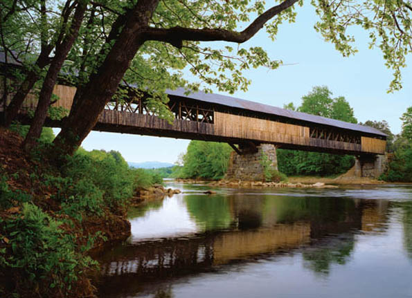 Überspannt den Conneticut River: Die Cornish-Windsor Bridge. (Foto: New Hampshire Department of Travel and Tourism Development)