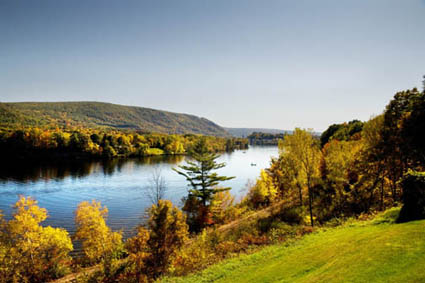 Der Connecticut River bei Bellows Falls in Vermont. (Foto: Vermont Office of Tourism and Marketing)