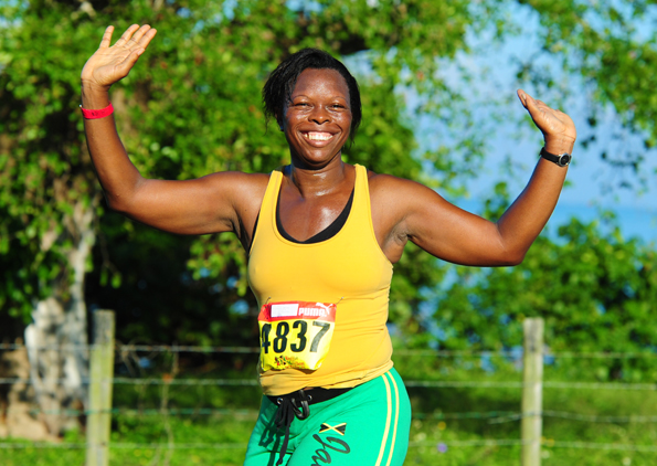 Gute laune ist beim Reggae Marathon auf Jamaika nicht nur bei den Läuferinnen und Läufern aus aller Welt garantiert. (Foto: Errol Anderson)