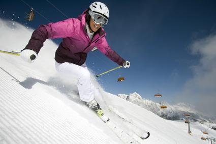 Der Skicircus im Salzburger Land gehört zu den größten Skigebieten der Alpen. 200 Pistenkilometer in unter-schiedlichen Schwierigkeitsgraden und 55 hochmoderne Seilbahn- und Liftanlagen lassen Wintersportherzen höher schlagen.