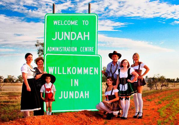 In der Mitte des Nichts im australischen Outback lädt die 68-Seelen-Gemeinde Jundah zum wohl entlegensten Oktoberfest der Welt.