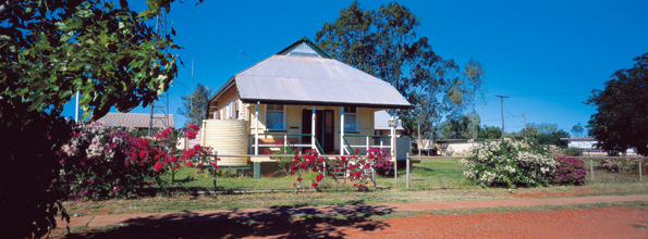 Sehr übersichtlich: Das Outback-Städtchen Jundah, das sogar über eine eigene kleine Polizeistation verfügt.