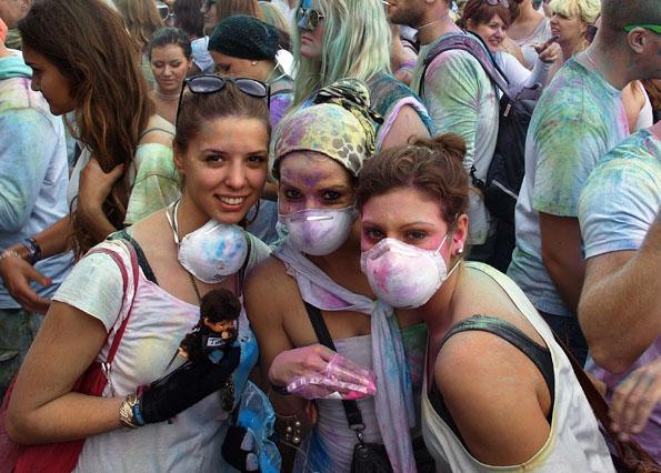 Für Allergiker werden Atemschutzmasken bereit gehalten. (Foto: Tedda Roosen)