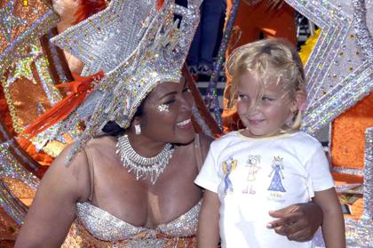 Nicht nur zum Inselkarneval geben sich die Einwohner von Aruba in feierlaune.