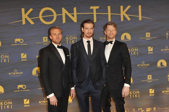 """Die Hauptdarsteller Tobias Santelmann, Pål  Sverre Hagen und Odd-Magnus Williamson bei der Filmpremiere von """"Kon-Tiki"""". (Foto: DCM)"""