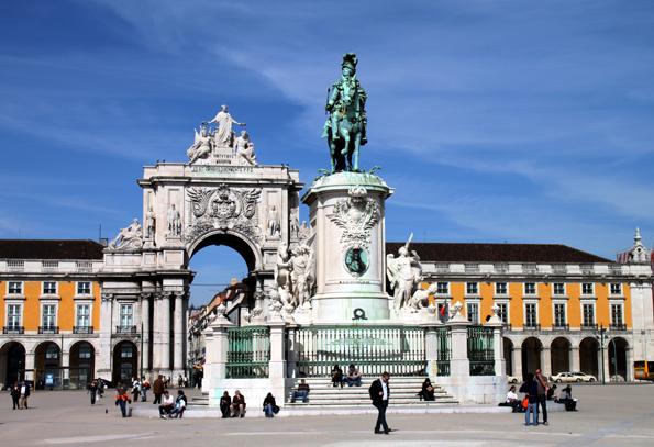 Der Triumpfbogen an Lissabons Praco do Comercio kann nun bestiegen werden. (Foto:  Karsten-Thilo Raab)