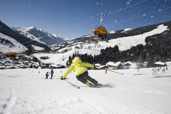 200 Pistenkilometer in unterschiedlichen Schwierigkeitsgraden und 55 hochmoderne Seilbahn- und Liftanlagen lassen Wintersportherzen rund um Saalbach-Hinterglemm höher schlagen.