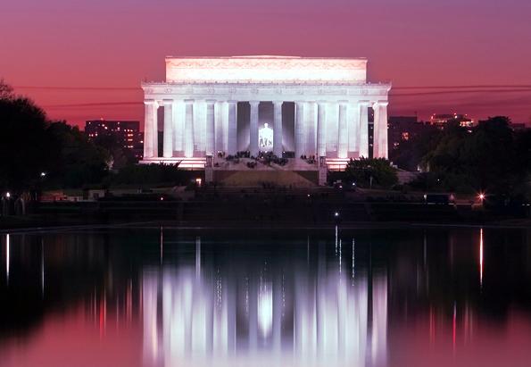 Spektakulär illuminiert: Das Lincoln Memorial  in Washington DC.