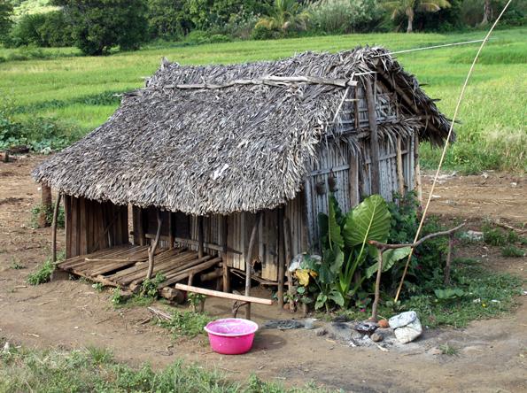 Die Bauern im Norden Madagskars leben nicht selten in einfachen Hütten. (Foto: Karsten-Thilo Raab)
