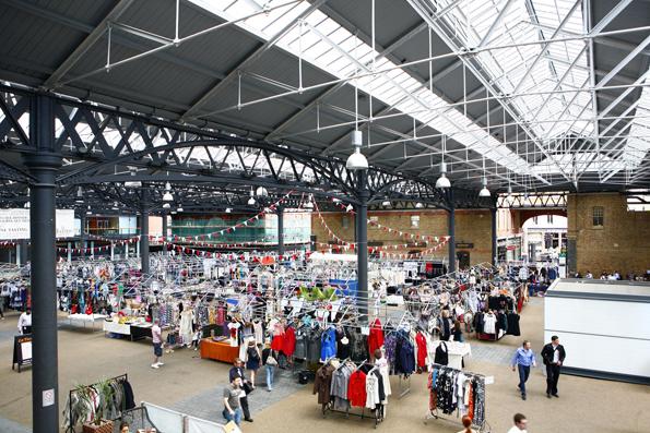 Einer der beliebtesten Indoor-Märkte in London: Der Old Spitalfields Market.