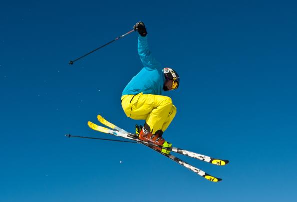Nur Fliegen ist schöner: Am Mölltaler Gletscher kommen Wintersportler jeden Alters und jeder Könnerstufe auf ihre Kosten. (Foto:  Bernhard - Kärnten Werbung)