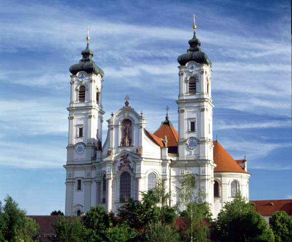 """Die barocke Basilika ist Schauplatz der """"Ottobeurer Konzerte"""". (Foto: djd)"""