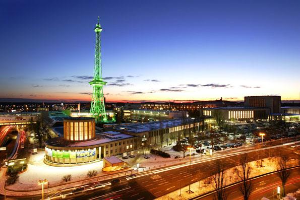 Zog bereits 17 Millionen echte Besucher in seinen Bann und ist nun auch virtuell besuchbar: Der Berliner Funkturm. (Foto Messe Berlin)