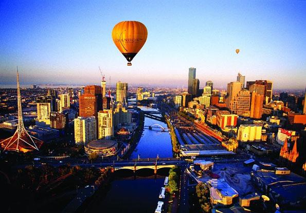 Nicht nur aus der Luft ist Melbourne überaus beeindruckend. Zum dritten Mal wurde die Millionenstadt zur lebenswertesten Stadt der Welt gekürt.