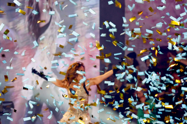 Ein echter Hingucker: Gloria Trevi bei der Drag Queen Show. (Foto: Udo Haafke)