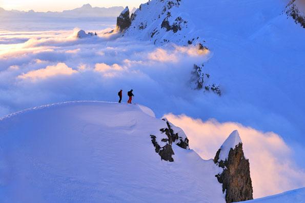 Der Gipfel des alpinen Skivergnügens: Heli-Skiing im österreichischen Vorarlberg. (Foto: Sepp Mallaun)