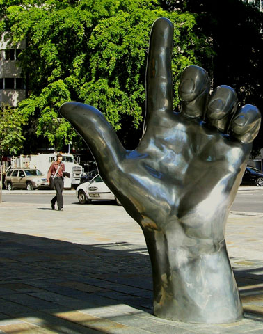 Entlang der Public Art Trails lässt sich nicht nur Kunst im öffentlichen Raum entdecken. Auch die Architektur wird in den Fokus gerückt.