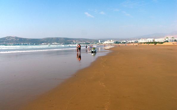 Prächtige Strände wie hier in Agadir sind weitere Pfunde, mit denen Marokko wuchern kann.