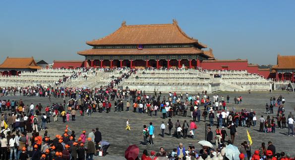 Als größter Palast der Welt begrüßt die Verbotene Stadt jährlich 14 Millionen Besucher aus aller Welt.