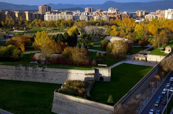 Pamlonas mächtige Zitadelle ist umrahmt vom Park Vuelta del Castillo. (Fotos: Turismo Reyno de Navarra)