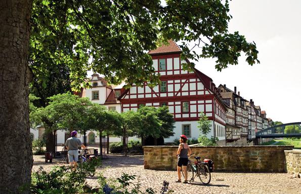 Das Marstallgebäude beim Landgrafenschloss in Rotenburg an der Fulda wurde 1603 errichtet. (Foto: djd)