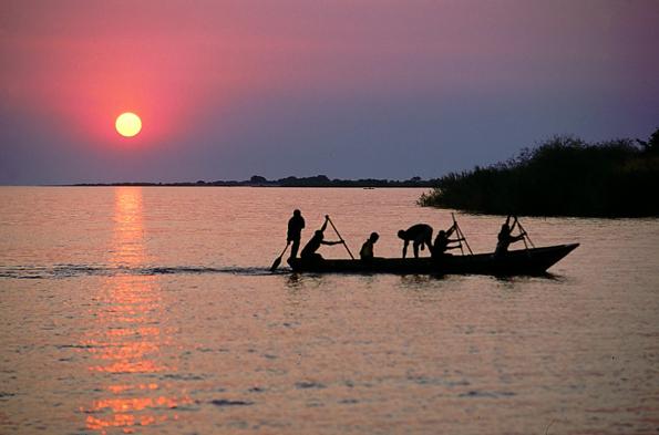 Das ostafrikanische Burunid - hier der  Tanganyikasee - möchte sein touristische Potenzial besser ausschöpfen.