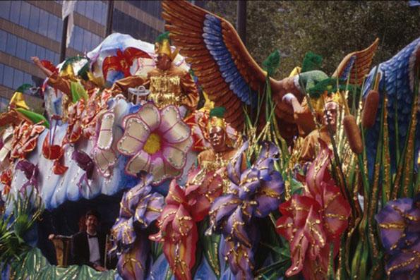 Gleich mit mehreren Paraden weiß New Orleans während der Karnevalszeit zu begeistern.
