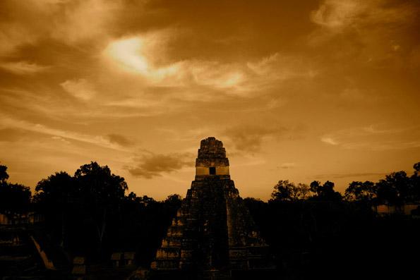 Zahlreiche Kultstätten der Mayas gibt es entlang des MayaTreks in Guatemala zu entdecken.