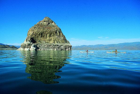 Der Pyramid Lake gehört zu den landschaftlichen Besonderheiten im IS-Bundesstaat Nevada.