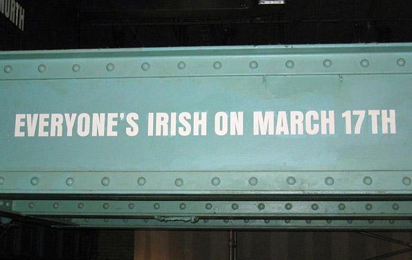 Die Guinness Brauerei macht es deutlich: Am 17. März sind alle für einen Tag Iren.
