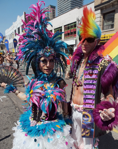 Zehn Tage lang begeht Totonto das WorlPride Festival, zu dem auch ein farbenfrohe Parade gehört.